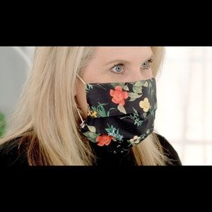 Mystery Pattern Face Mask